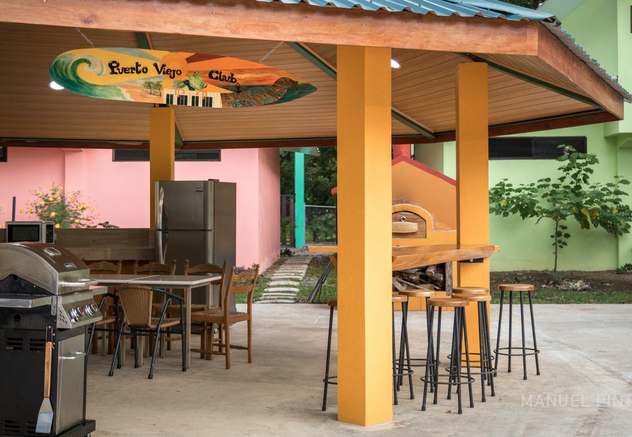 Casa en Puerto Viejo - Puerto Viejo Club Pool House para 12 PAX