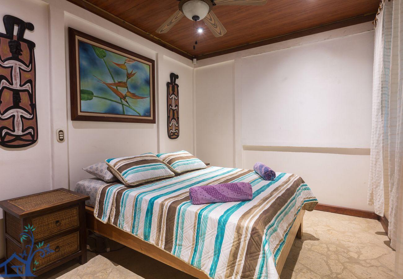 Bungalow à Punta Uva - Our Beachfront Bungalow in Punta Uva