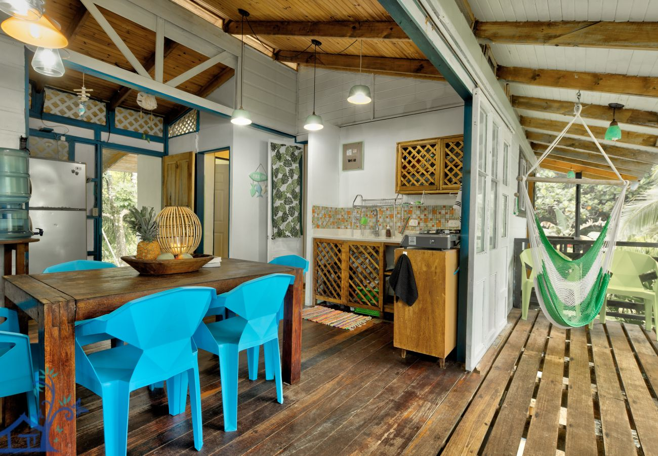 Maison à Punta Uva - Rincones Magicos Beachfront!