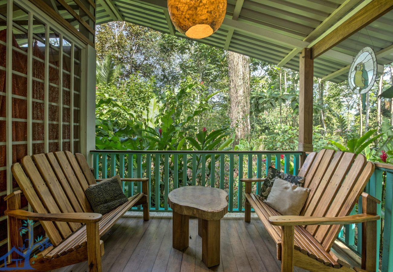 Villa in Playa Chiquita - Casa Bella, Bonita, & Sol with Mesmerizing Pool!